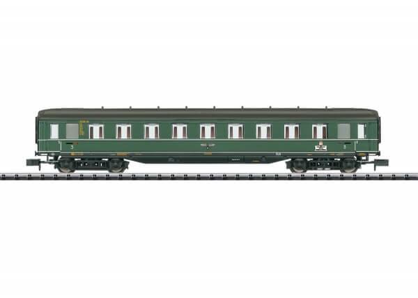 """Minitrix 15803 Schnellzugwagen """"Berlin-Hamburg"""" 3. Klasse C4ü-38 der Deutschen Reichsbahn"""