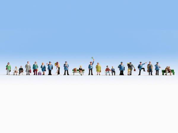 Noch 37105 Figuren-Set XL mit 24 Figuren Auf dem Bahnsteig