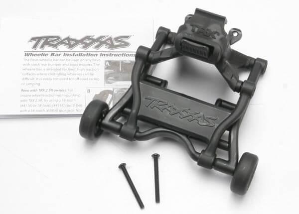 TRAXXAS® 5472 Wheelie Bar montiert Revo